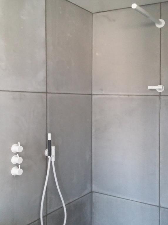 betonnen douche panelen