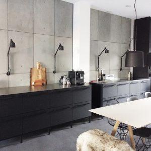 Keuken achterwand van beton